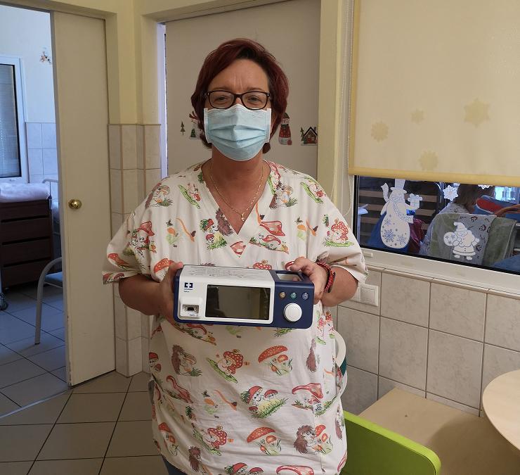 Új pulzoximéter készüléket kapott a Gyermekklinika Pulmonológiai Osztálya